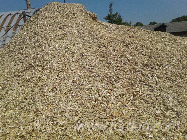 Wholesale-All-species-Wood-Chips-From-Used-Wood-in