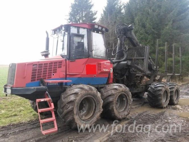 Used-Valmet---ca--13600-h-860-1-2003-Forwarder-in
