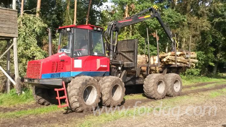 Used-1999-Valmet---ca--28000-h-840-S2-Forwarder-in