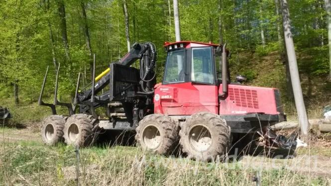 Used-Valmet---6748-h-840-3-2007-Forwarder-in