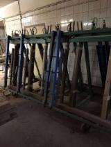 Pneumatic press joinery