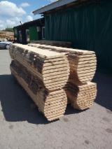 Softwood  Sawn Timber - Lumber Pine Pinus Sylvestris - Redwood - Fresh cut pine unedged lumbers