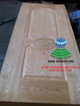 Engineered Panels - Red oak veneered HDF door skin
