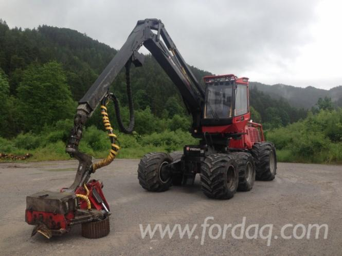 Used-Valmet---10205-h-931-2010-Harvester-in