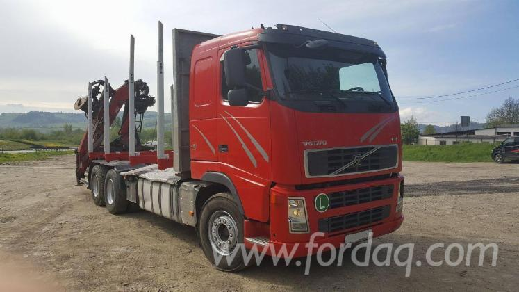 Camion-Transport-Busteni-Volvo-Folosit-2007-in