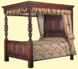 Bedroom Furniture - Traditional poster Bed