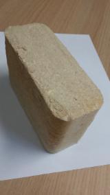 <<< 100 % wood briquettes PINE >>>