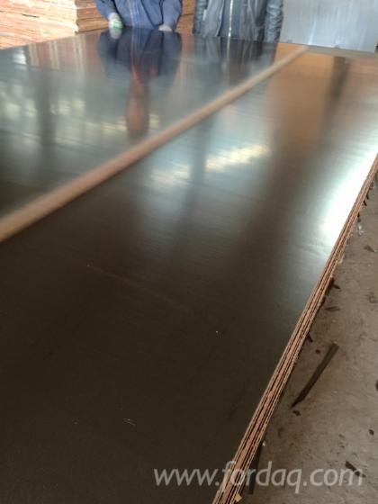 One-Time-Pressed-Film-Faced-Plywood-from-Linyi