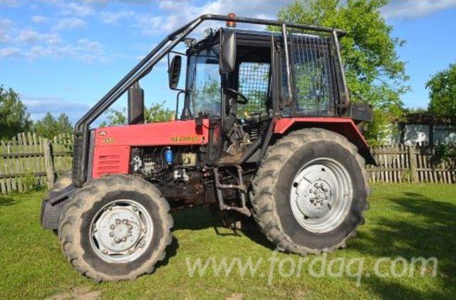 Tractor-Belarus-952-with-cabinets