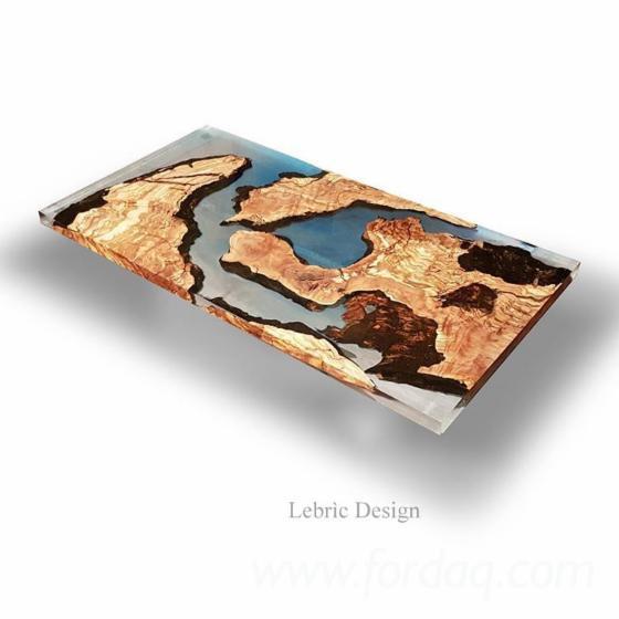 Tavolo in legno e resina epossidica for Tavolo resina epossidica