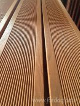 Terrassenholz Indonesien - Merbau, Rutschfester Belag (1 Seite)