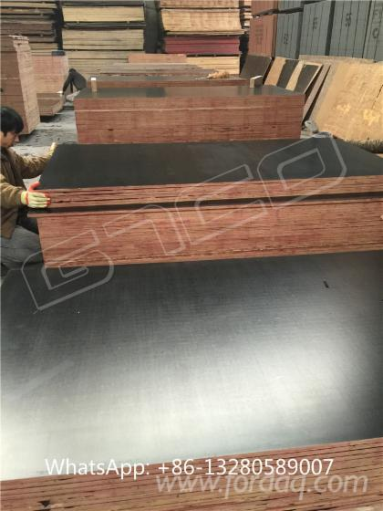 Black-film-faced-marine-plywood--Film-faced-Formply--shuttering-concrete-formwork