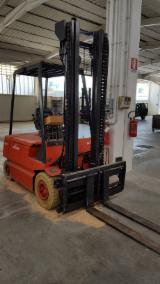 Forklift LINDE 旧 意大利