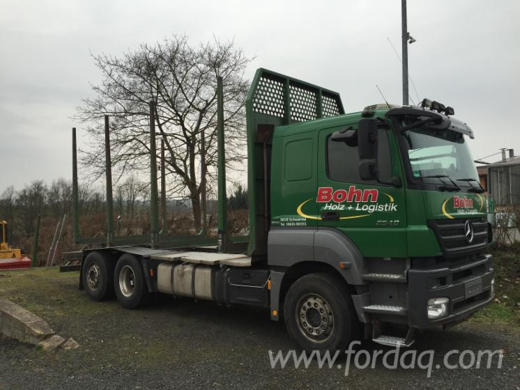 Camion-Transport-Busteni-Mercedes-Folosit-2010-in