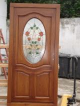 Uşi, Ferestre, Scări Romania - producem ferestre si usi ,tamplarie de interior si exterior din molid si stejar