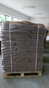 Poland Firewood, Pellets And Residues - Beech (Europe) in Poland Wood Pellets 6 mm