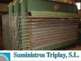Holzbearbeitungsmaschinen Spanien - Gebraucht TALLERES MARCH 1995 Sperrholzpresse Für Ebene Flächen Zu Verkaufen in Spanien