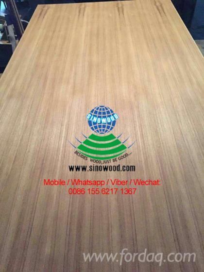 Natural-teak-veneered-plywood-for-decoration