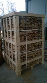 劈好的薪柴-未劈的薪柴 橡木