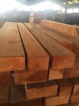 Nadelschnittholz, Besäumtes Holz Zu Verkaufen - Western Red Cedar