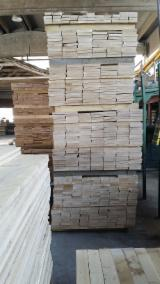 Oak (European) Planks (boards)  in Italy