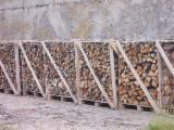 Firewood, Pellets And Residues Europe - Oak Firewood/Woodlogs Cleaved -- mm