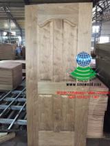 HDF - Black walnut veneered HDF door skin
