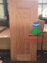 HDF - Sapelli veneered HDF door skin