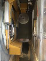 Used ESSETRE  2011 CNC Machining Center For Sale in Italy