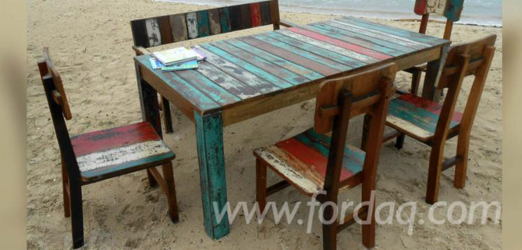 Boat-wood-dining-table