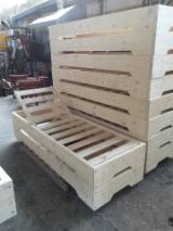 Garden Furniture - Wooden sunbed