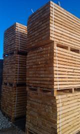 Softwood  Sawn Timber - Lumber - 17-50 mm Fresh Sawn Pine  - Redwood Ukraine