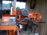 Maşini Şi Utilaje Pentru Prelucrarea Lemnului De Vânzare - Fierastrau Panglica De Spintecat Wood Mizer Folosit in Polonia