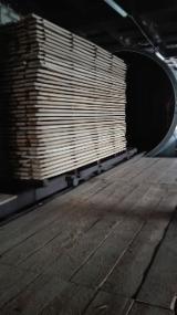 Obróbka Drewna Na Sprzedaż - Tarcica Uszlachetniona, Łotwa