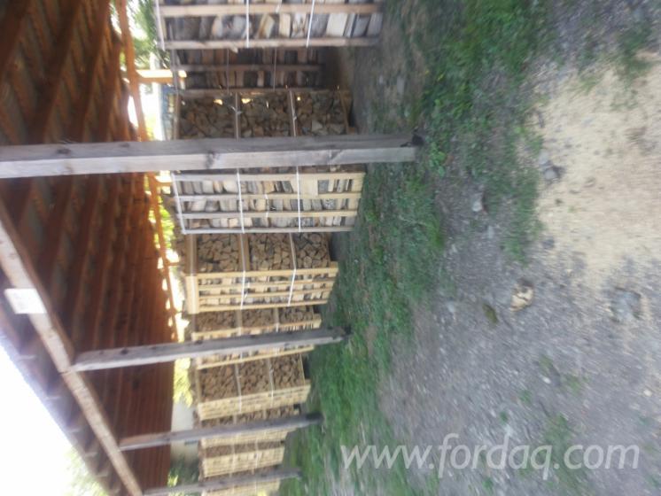 Beech-%28Europe%29-Firewood-Woodlogs-Cleaved-6-14