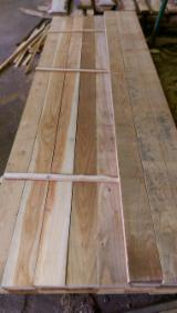 Softwood  Sawn Timber - Lumber - 25/30/40/50 mm Fresh Sawn Larch (Larix Spp.) in Poland