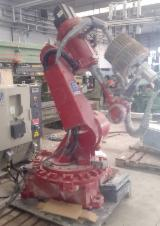 Robot, Brand Comau model C3G Plus with control panel