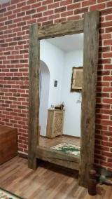 Mobilier Pentru Hol - oglinda din lemn vechi
