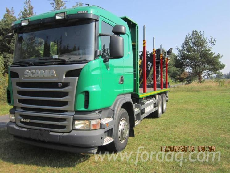 Camion-Transport-Busteni-Scania-Folosit-2011-in