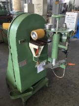 Gebraucht CAMAM Schleifmaschinen Mit Schleifband Zu Verkaufen Italien
