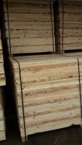 Schnittholz - Besäumtes Holz Zu Verkaufen - Qualität Bretter und Balken für Verpackungsmaterial und Paletten