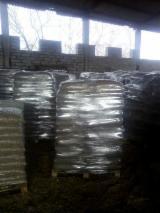 薪炭材-木材剩余物 木颗粒 - 木颗粒-木砖-木炭 木颗粒 云杉-白色木材, 落叶松, 西伯利亚落叶松
