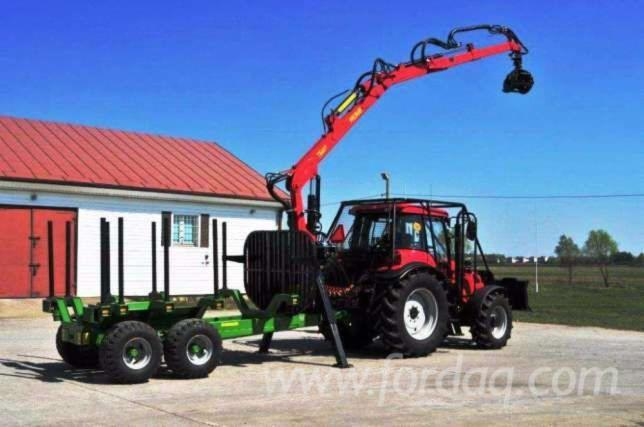 PRONAR-T644-10-5m3-forest-trailer--crane