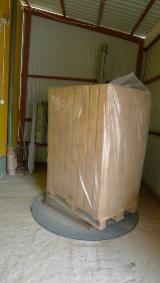 Buy Or Sell Wood Moulded Pallet Block - Pine Pallet Blocks - Any condition