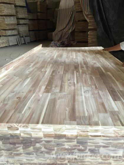 Acacia finger joined laminated board for worktops