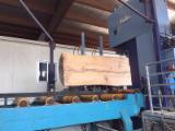 Schnittholz Und Leimholz Cedar North America - Zederplanken parfümiert massiven Tisch aus einem einzigen Stück gebildet.