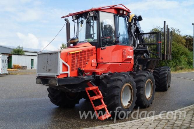 Used-Valmet-Ca--17000-H-2007-Forwarder-in