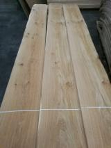 Sliced Veneer - Oak (European) Flat Cut, Figured Natural Veneer in Italy