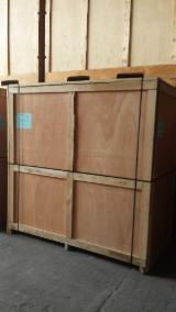 New Crates for Packing, 220 x 118 x 220 cm