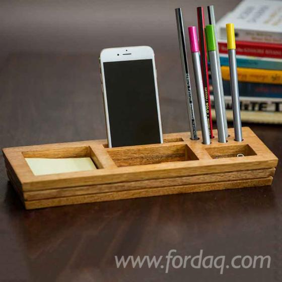 Wooden-Box-for-Pencils-and-Sticky
